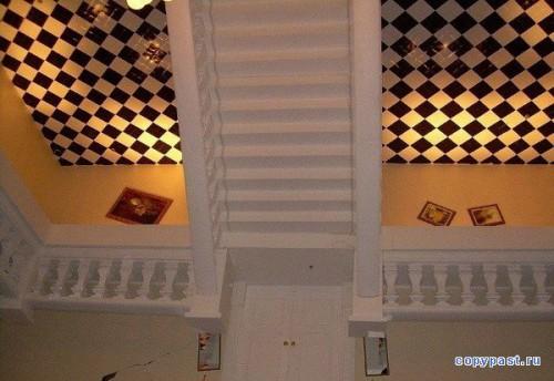 Дом вверх дном. (12 фото)