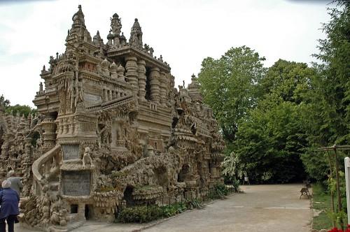 Идеальный дворец Фердинанда Шеваля (Le Palais Ideal du Facteur Cheval) Франция. Часть 1. (55 фото)