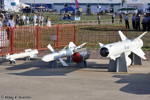 МАКС - 2011. Часть 6. Ракетное и бомбовое вооружение, БПЛА и автожиры. (64 фото)