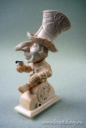 Александр и Елена Коптеловы. Резьба по кости мамонта. Часть 2. Алиса в стране чудес. (33 фото)