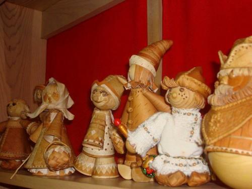 Берестяные куклы Верхотуровой Веры Ивановны. (11 фото)