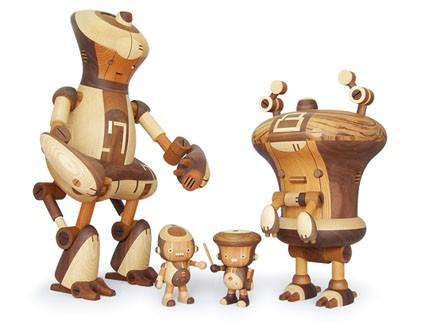 Деревянные роботы - симбиоз древнего искусства с божествами. (21 фото)
