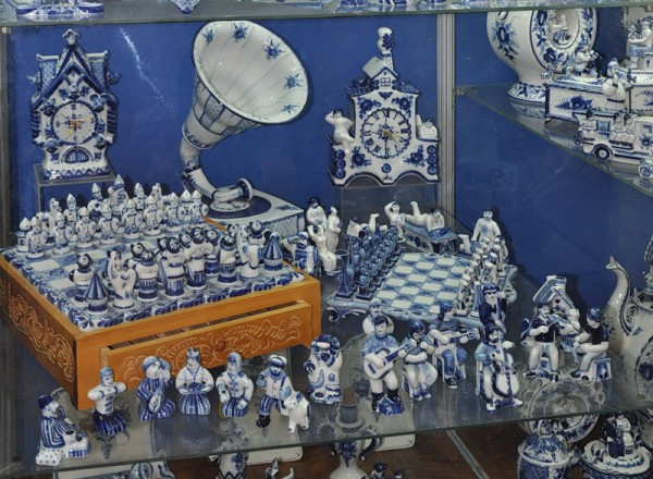 Бело-синее чудо из Гжели.