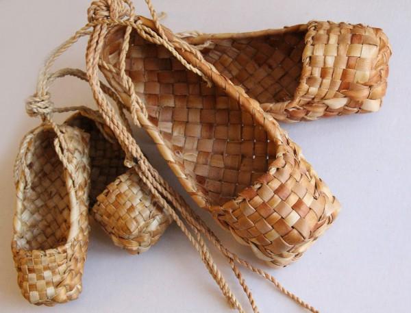 Славянская обувь уходит в прошлое.