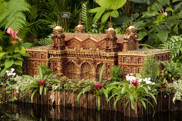 �������� �Holiday Train Show� (����������� �������� ������)  � ����������� ...