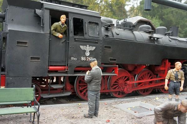 """Работа Бориса Караева. """"На восточный фронт! Германия, 1942 г."""" (15 фото)"""
