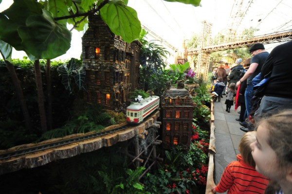 �������� �Holiday Train Show� (����������� �������� ������) � ������������ ���� ���-�����. ����� 2. (55 ����)