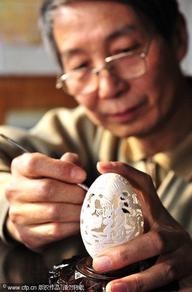 Сверлом по яйцам. Скульптуры из яичной скорлупы от Wen Fuliang. (12 фото)