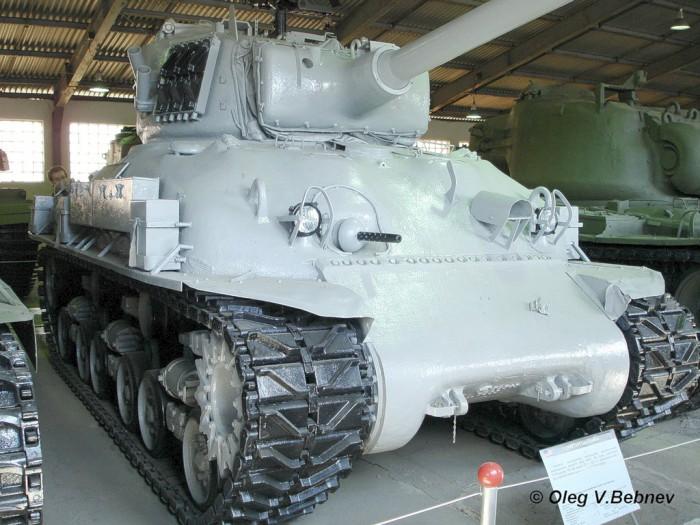 Военно - исторический музей бронетанкового вооружения и техники в Кубинке. Часть 6. (продолжение). (52 фото)