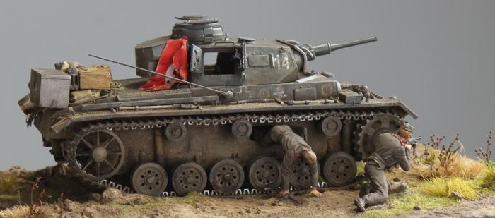 """Работа Олега Юхрименко. """"Эвакуация из подбитого танка"""". (17 фото)"""