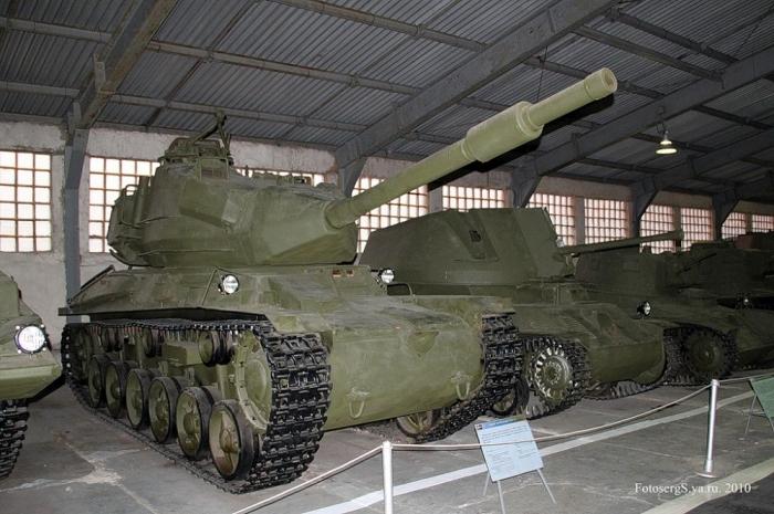 Военно - исторический музей бронетанкового вооружения и техники в Кубинке. Часть 8 продолжение. (37 фото)
