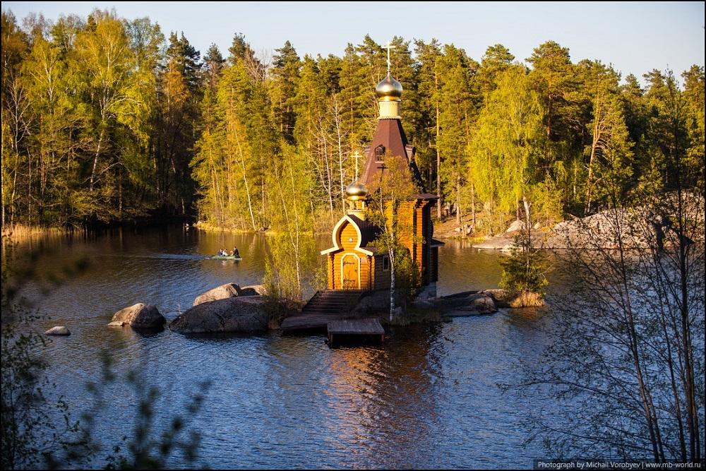 название храмов построенных на воде подобных